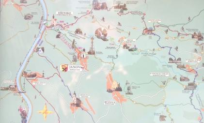 Mapa ze szlakami, którą znaleźliśmy w Janovie.